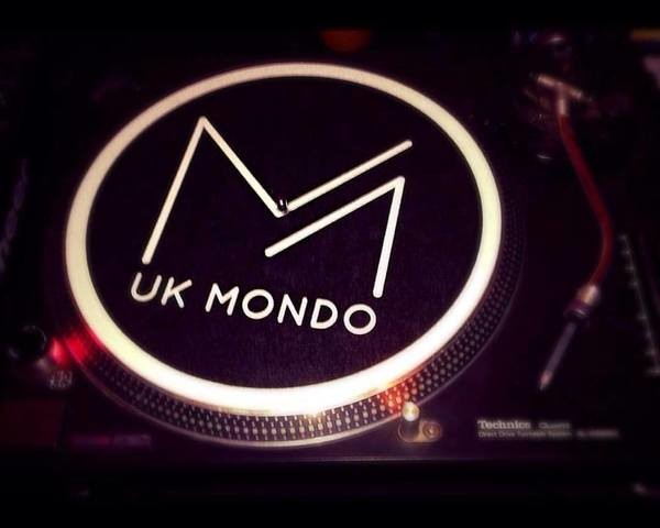 Thumb mondo turntable